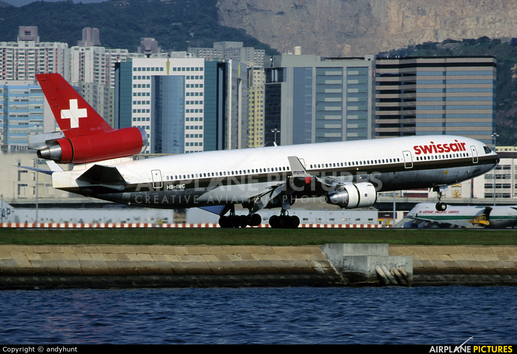 Swissair HB-IWC aircraft at HKG - Kai Tak Intl CLOSED