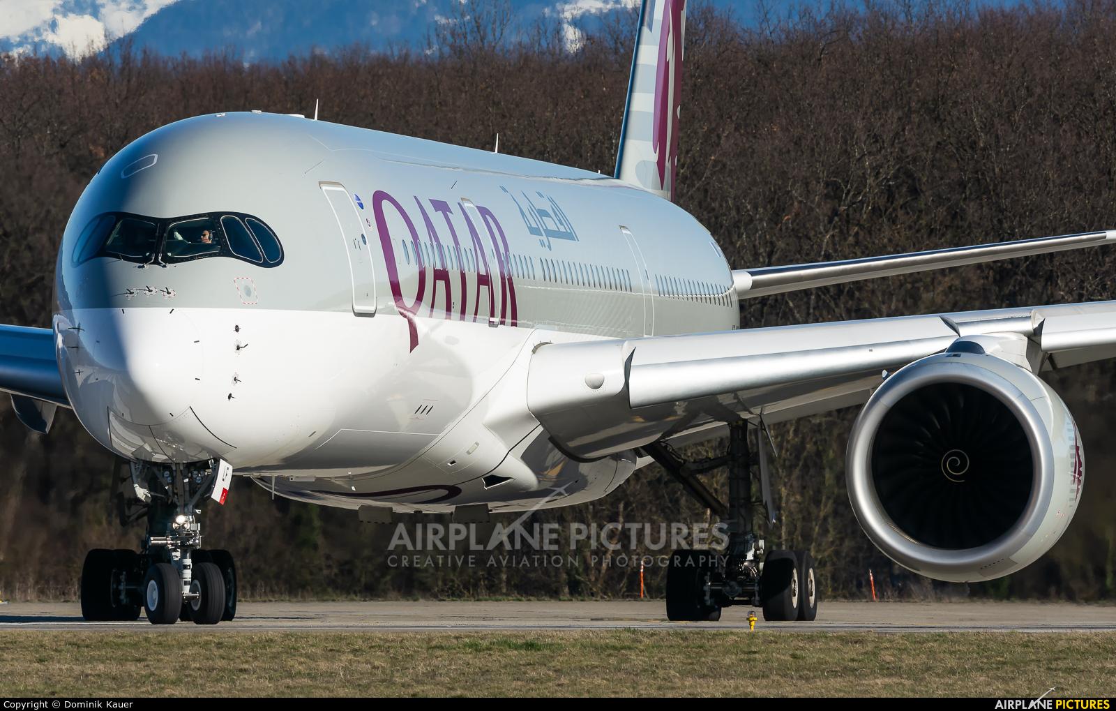 Qatar Airways A7-ALF aircraft at Geneva Intl
