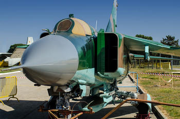 - -  Mikoyan-Gurevich MiG-23ML