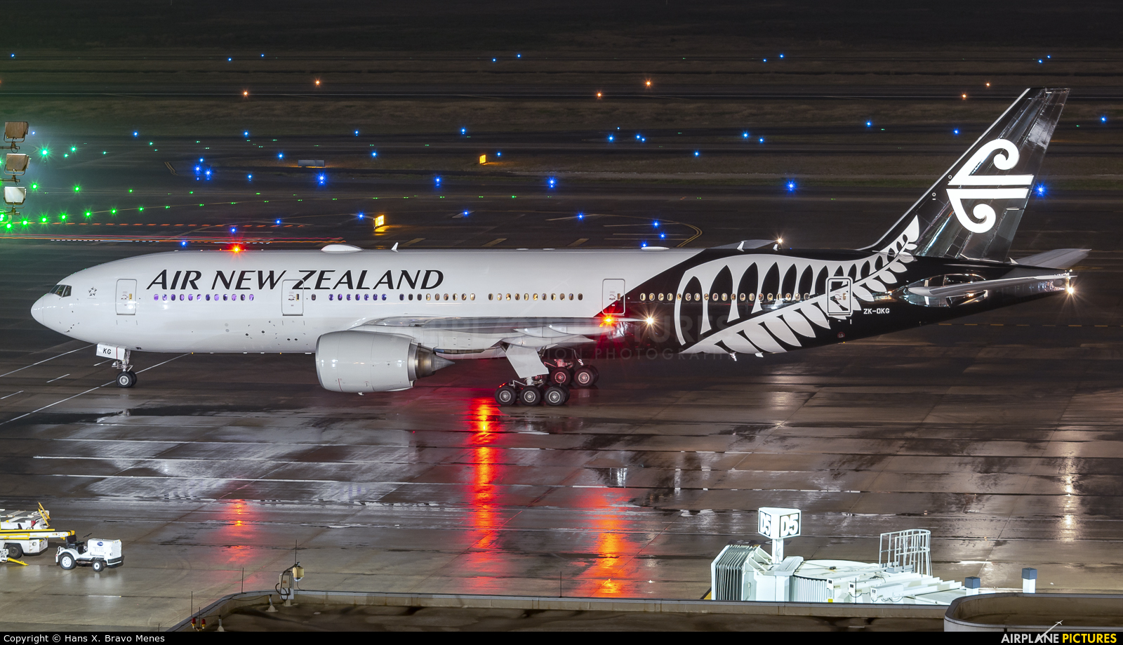 Air New Zealand ZK-OKG aircraft at Houston - George Bush Intl
