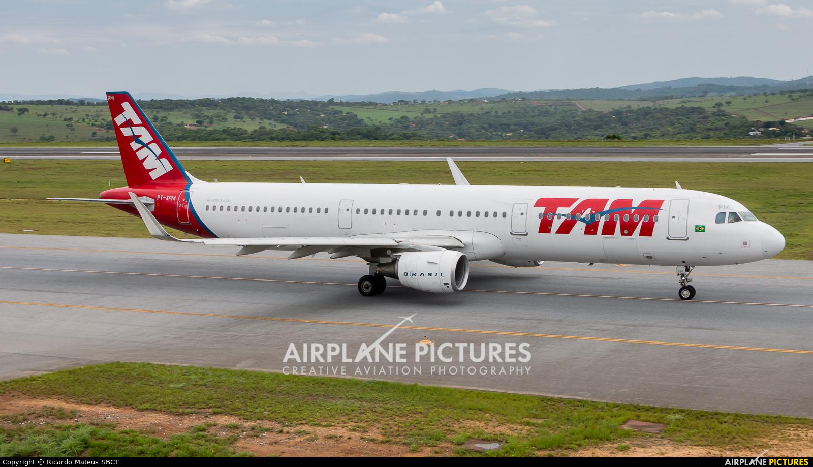 TAM PT-XPM aircraft at Belo Horizonte - Tancredo Neves