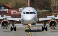 G-EZDF - easyJet Airbus A319 aircraft