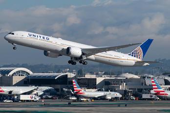 N12003 - United Airlines Boeing 787-10 Dreamliner