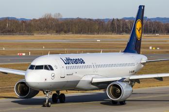 D-AIWA - Lufthansa Airbus A320