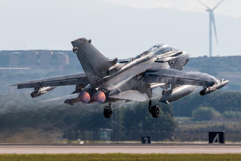 MM7043 - Italy - Air Force Panavia Tornado - IDS