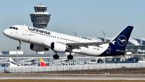 D-AIZC - Lufthansa Airbus A320 aircraft