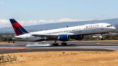 N552NW - Delta Air Lines Boeing 757-200