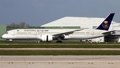 HZ-AR22 - Saudi Arabian Airlines Boeing 787-9 Dreamliner
