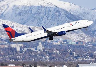 N880DN - Delta Air Lines Boeing 737-900ER
