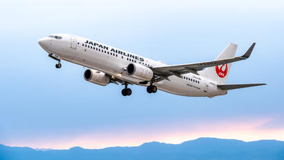 JA340J - JAL - Japan Airlines Boeing 737-800