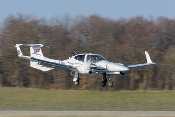 HB-LUW - Private Diamond DA42