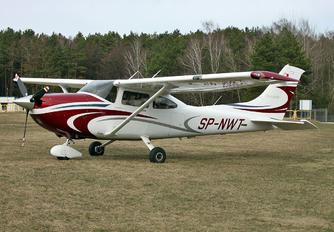 SP-NWT - Private Cessna 182T Skylane