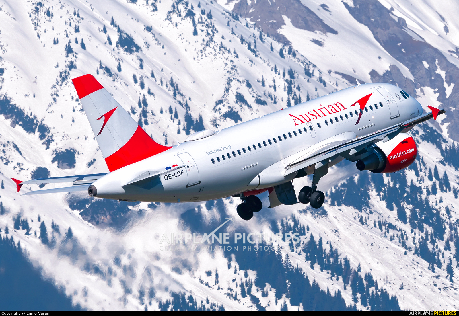 Austrian Airlines/Arrows/Tyrolean OE-LDF aircraft at Innsbruck