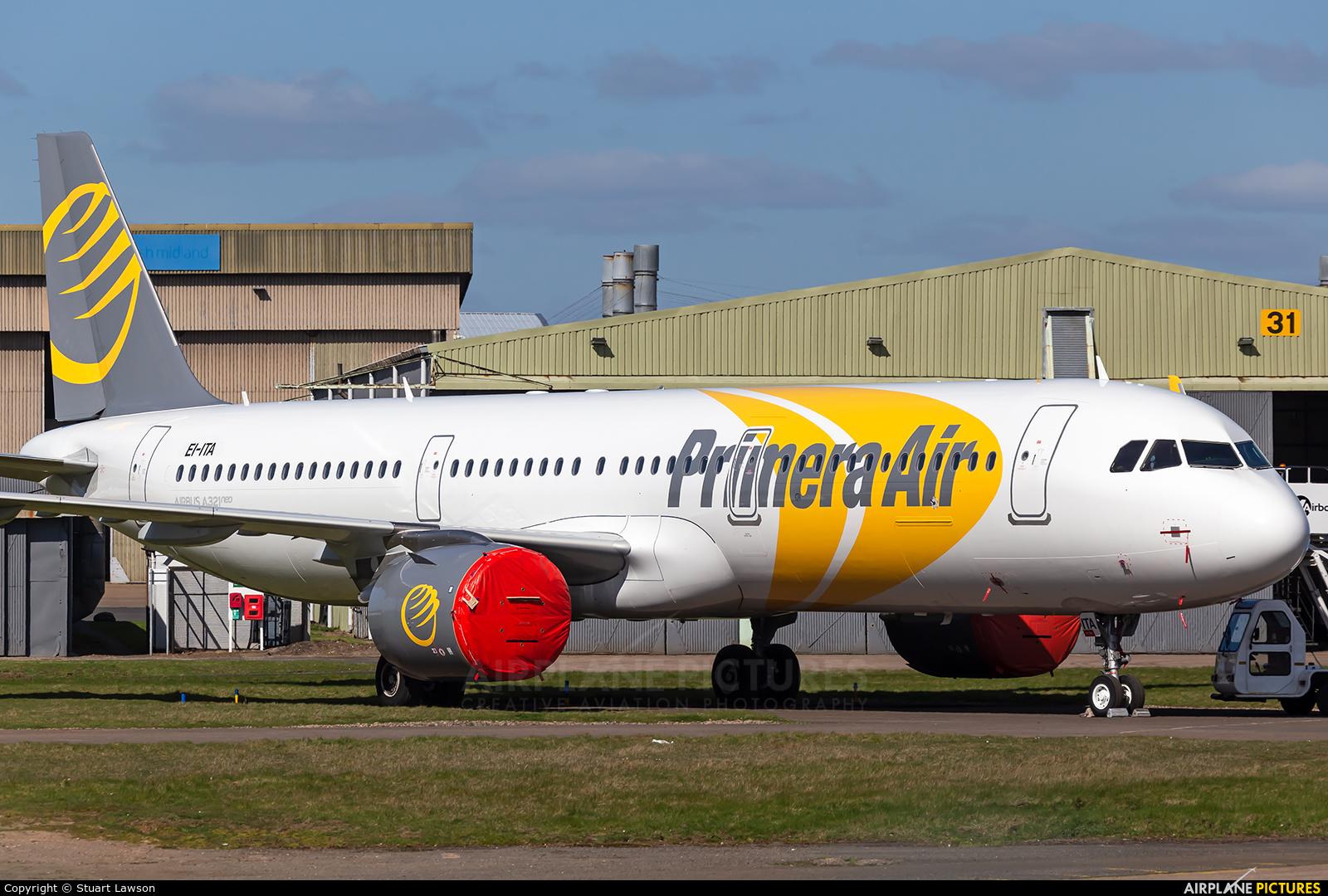 Primera Air Scandinavia EI-ITA aircraft at East Midlands
