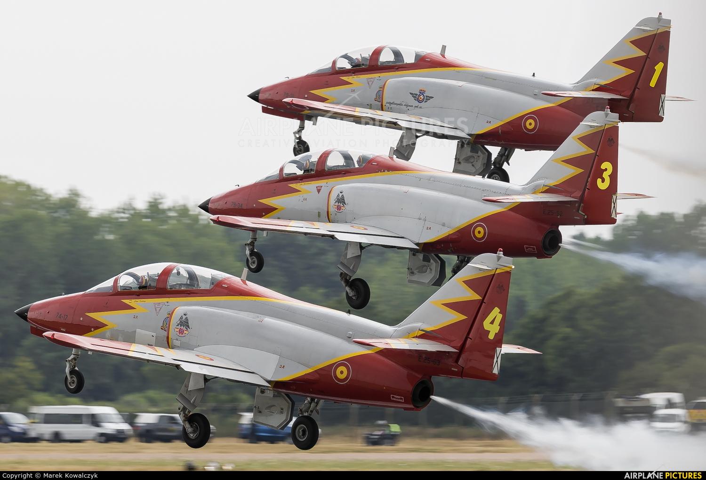 Spain - Air Force : Patrulla Aguila E.25-31 aircraft at Fairford