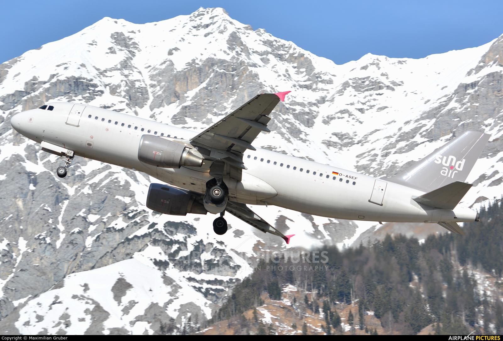 Sundair D-ASEF aircraft at Innsbruck
