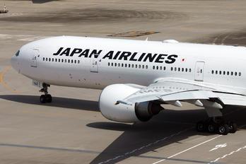 JA742J - JAL - Japan Airlines Boeing 777-300ER
