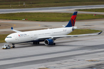 N817NW - Delta Air Lines Airbus A330-300