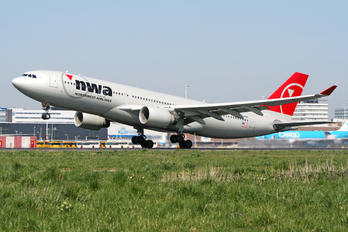 N856NW - Northwest Airlines Airbus A330-200
