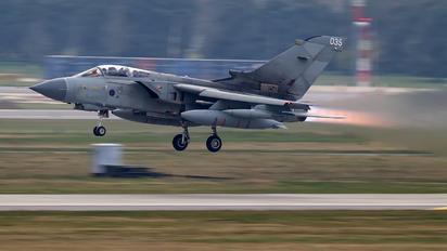 ZA542 - Royal Air Force Panavia Tornado GR.4 / 4A