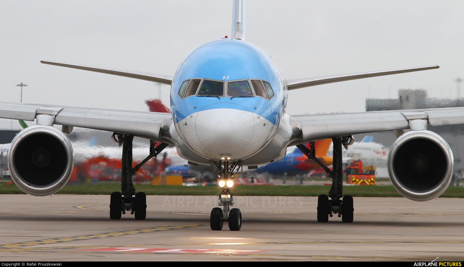 TUI Airways G-BYAY aircraft at Manchester