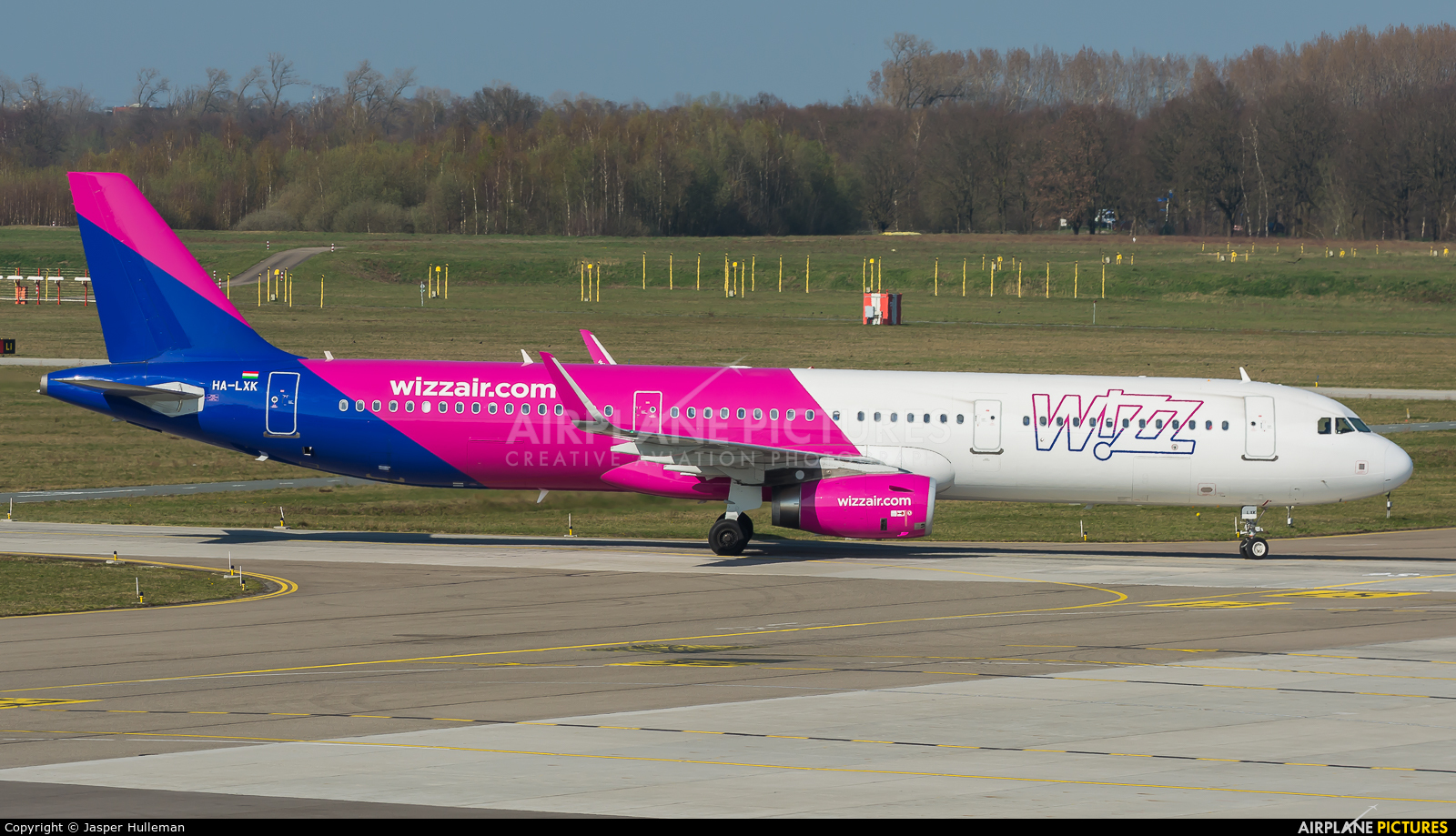 Wizz Air HA-LXK aircraft at Eindhoven