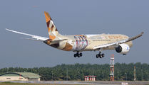 New special livery on Etihad B789 title=