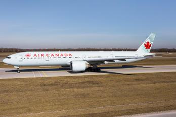 C-FIUL - Air Canada Boeing 777-300ER
