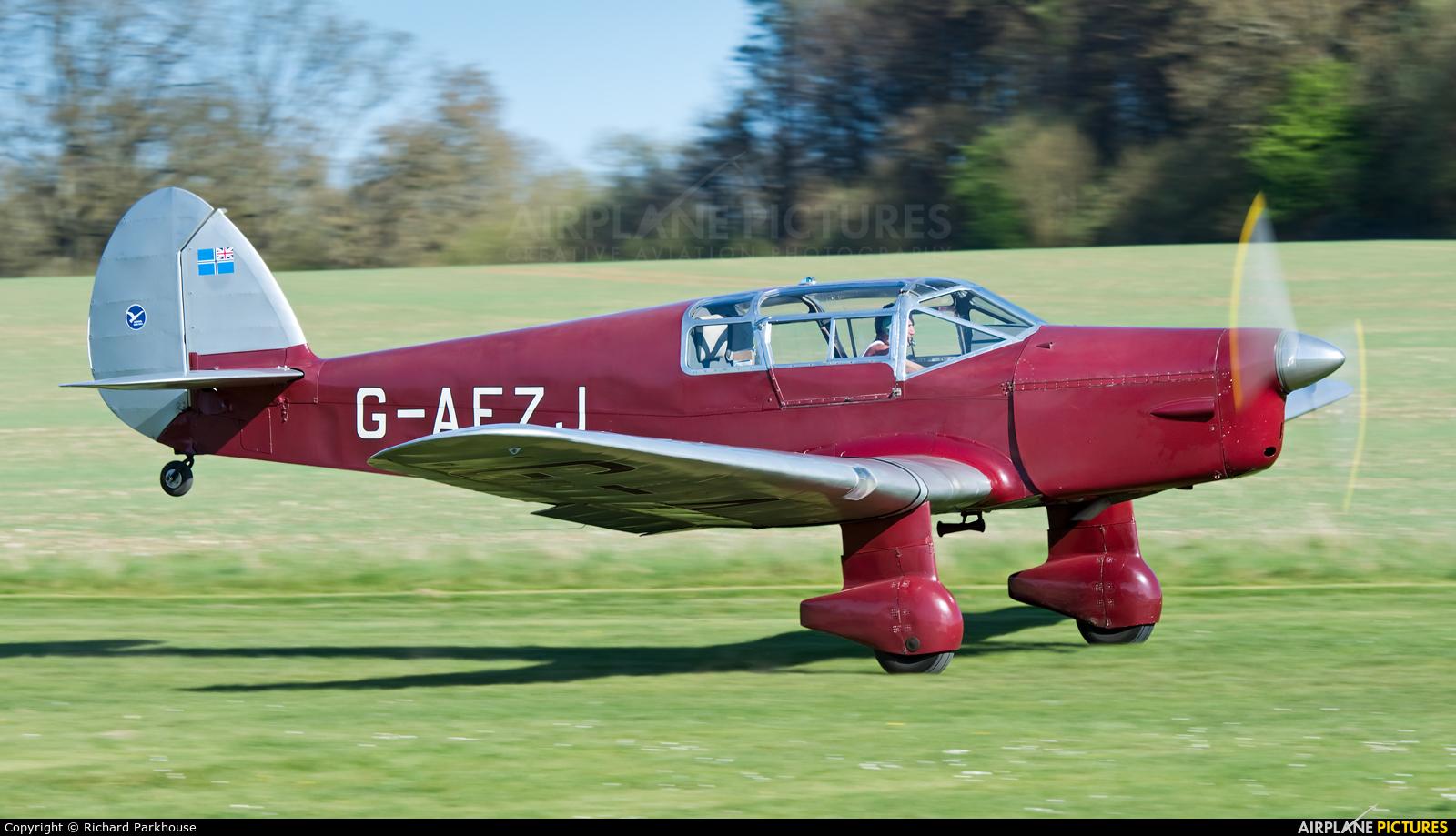 Private G-AEZJ aircraft at Popham