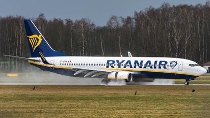 EI-GXN - Ryanair Boeing 737-8AS