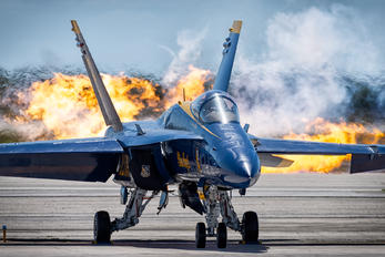 163106 - USA - Navy McDonnell Douglas F/A-18C Hornet