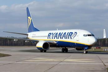 SP-RSA - Ryanair Sun Boeing 737-800