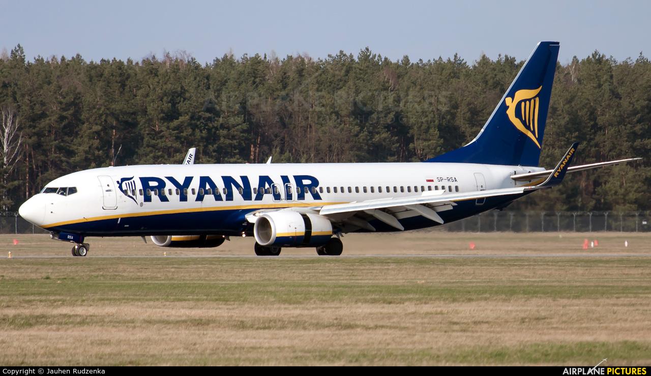 Ryanair Sun SP-RSA aircraft at Modlin
