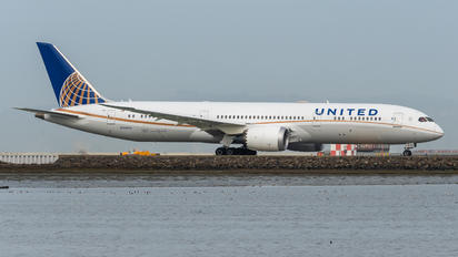 N38955 - United Airlines Boeing 787-9 Dreamliner