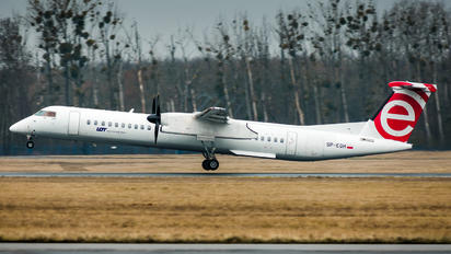 SP-EQH - LOT - Polish Airlines de Havilland Canada DHC-8-402Q Dash 8