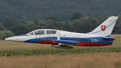 5254 - Slovakia -  Air Force Aero L-39CM Albatros