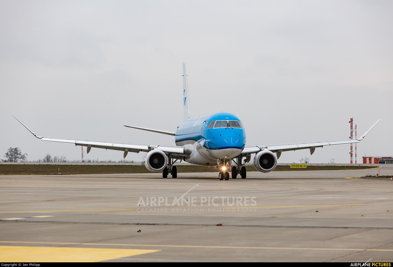 KLM Cityhopper PH-EXR aircraft at Dresden