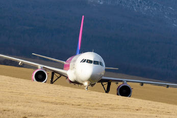 G-WUKG - Wizz Air UK Airbus A321