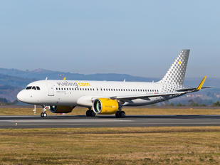 EC-NAY - Vueling Airlines Airbus A320 NEO