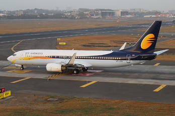 VT-JTH - Jet Airways Boeing 737-800