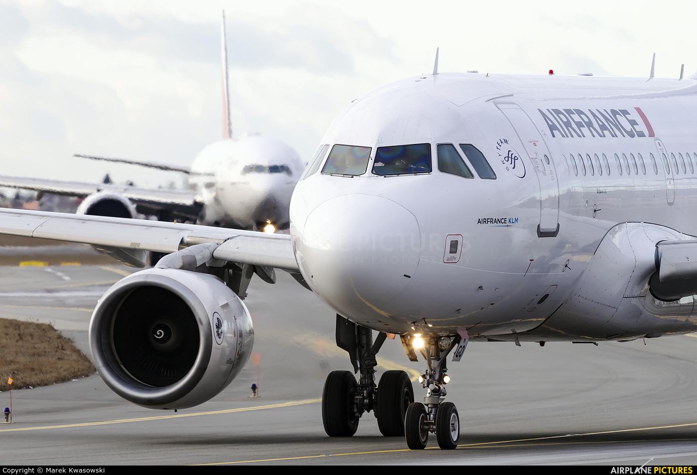 Air France F-GUGO aircraft at Warsaw - Frederic Chopin