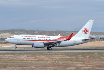 7T-VKT - Air Algerie Boeing 737-600