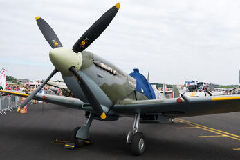 G-PMNF - Private Supermarine Spitfire HF.IX