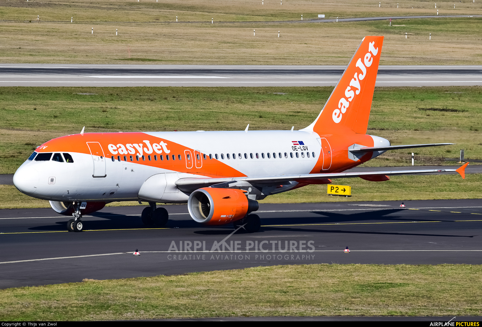 easyJet Europe OE-LQV aircraft at Düsseldorf