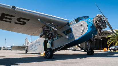 NC8407 - Experimental Aircraft Association Ford 4-AT-E Trimotor