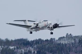 168205 - USA - Marine Corps Beechcraft UC-12W Huron