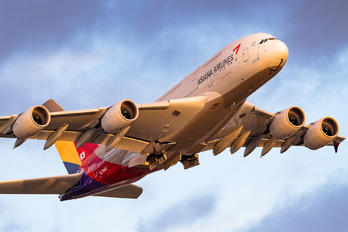 HL7640 - Asiana Airlines Airbus A380