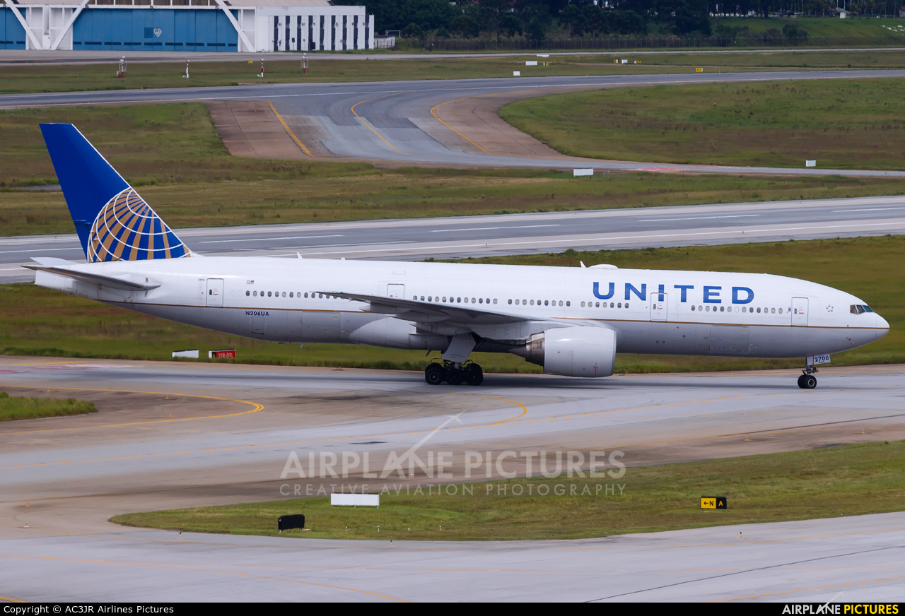 United Airlines N206UA aircraft at São Paulo - Guarulhos