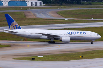 N206UA - United Airlines Boeing 777-200ER