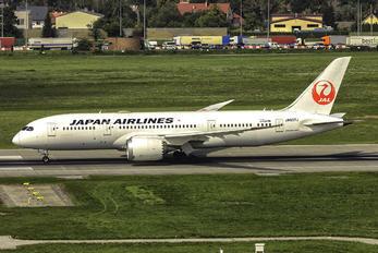JA837J - JAL - Japan Airlines Boeing 787-8 Dreamliner
